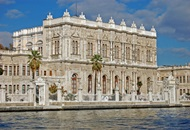 Visit Dolmabahçe Palace in Istanbul image